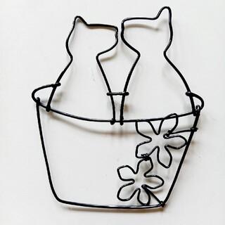 ねこ&フラワー 壁飾り ワイヤークラフト ハンドメイド(その他)
