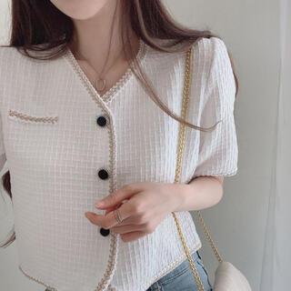 スタイルナンダ(STYLENANDA)の【予約商品】《2カラー》ツイード 半袖 Vネックジャケット 韓国ファッション(ノーカラージャケット)