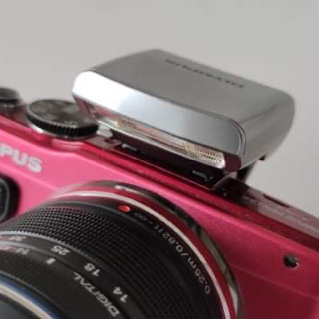 OLYMPUS(オリンパス)のOLYMPUS PEN Lite E-PL6 RED ミラーレス スマホ/家電/カメラのカメラ(ミラーレス一眼)の商品写真