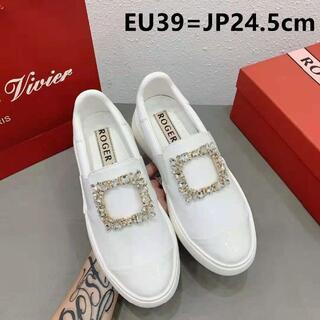 ロジェヴィヴィエ(ROGER VIVIER)の24.5cmRoger Vivier ファッション 女靴 ローファー 革靴(ローファー/革靴)