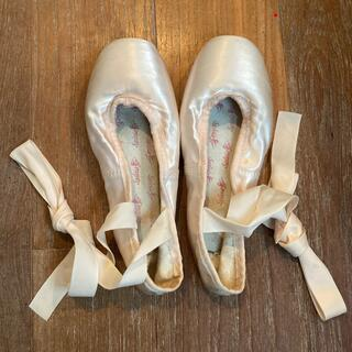 チャコット(CHACOTT)のシルビア トゥシューズ フロリナIII 23cm(ダンス/バレエ)