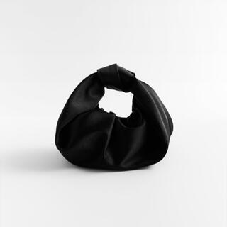 ZARA - 【新品未使用】ZARA スモール サテン地 バッグ
