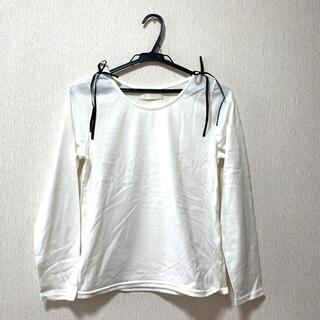 アロー(ARROW)の未使用 肩リボンが可愛いトップス(カットソー(長袖/七分))