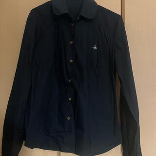 ヴィヴィアンウエストウッド(Vivienne Westwood)のヴィヴィアン ウエストウッドほぼ新品未使用 黒シャツ(シャツ/ブラウス(長袖/七分))