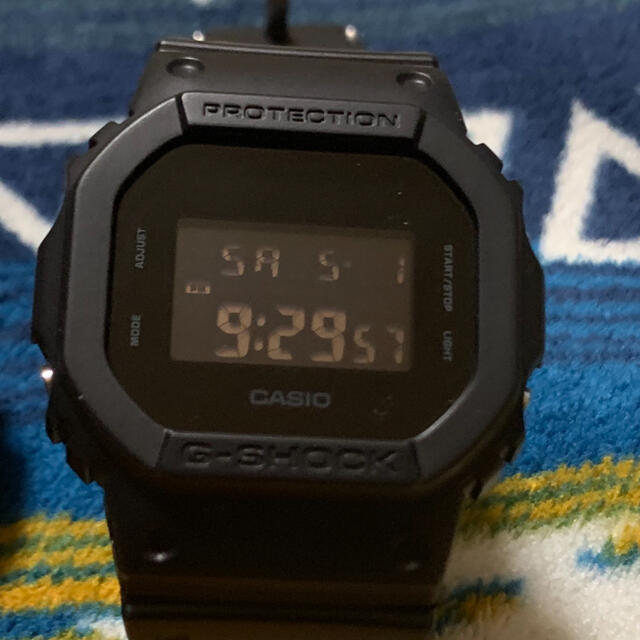 G-SHOCK(ジーショック)のG-SHOCK 5600 ブラック メンズの時計(腕時計(デジタル))の商品写真
