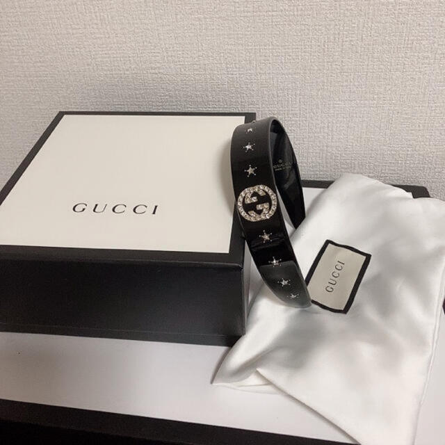 Gucci(グッチ)のGUCCI グッチ クリスタル インターロッキングG ヘアバンド  カチューシャ レディースのヘアアクセサリー(カチューシャ)の商品写真