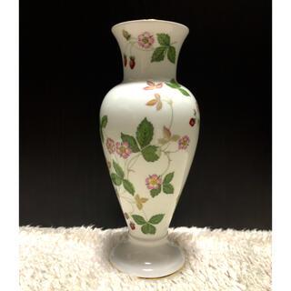 ウェッジウッド(WEDGWOOD)のウエッジウッド ワイルド ストロベリーの花瓶(花瓶)