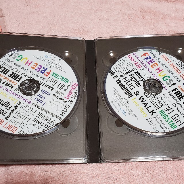Kis-My-Ft2(キスマイフットツー)のKis-My-Ft2 FREEHUGS! Blu-ray エンタメ/ホビーのDVD/ブルーレイ(アイドル)の商品写真