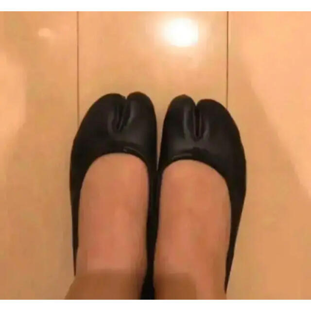 Maison Martin Margiela(マルタンマルジェラ)のはみ出さない 二本指 靴下 マルジェラ 足袋バレエ エアリフト レディースのレッグウェア(ソックス)の商品写真