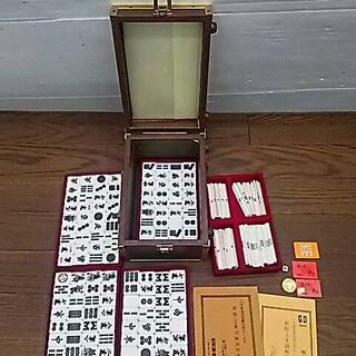 た47140 任天堂 麻雀牌   ケース付(麻雀)