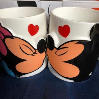ディズニー(Disney)のミッキーマウス&ミニーマウスペアマグ、キス(グラス/カップ)