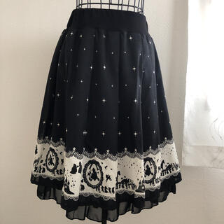 ディズニー(Disney)の白雪姫柄  フレアスカート(ひざ丈スカート)