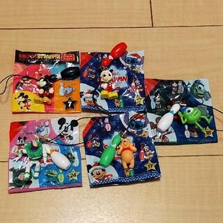 ディズニー(Disney)のラウンドワン ディズニーキャラクター ストラッピン5個セット(ストラップ/イヤホンジャック)