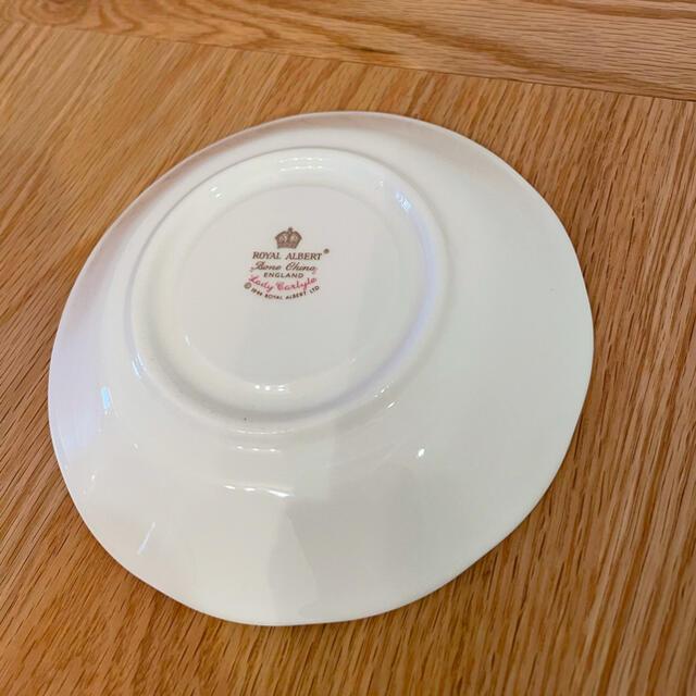 ROYAL ALBERT(ロイヤルアルバート)のROYAL ALBERT レディーカーライル ティーカップ&ソーサー インテリア/住まい/日用品のキッチン/食器(食器)の商品写真