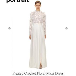 セルフポートレイト(SELF PORTRAIT)のPleated Crochet Floral Maxi Dress(ロングワンピース/マキシワンピース)