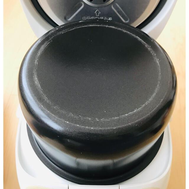 象印(ゾウジルシ)の象印 マイコン炊飯ジャー5.5合炊き 2009年製 スマホ/家電/カメラの調理家電(炊飯器)の商品写真