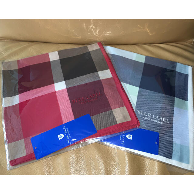 BURBERRY BLUE LABEL(バーバリーブルーレーベル)の新品 未使用 未開封 ブルーレーベル クレストブリッジ チェック ハンカチ 2枚 レディースのファッション小物(ハンカチ)の商品写真