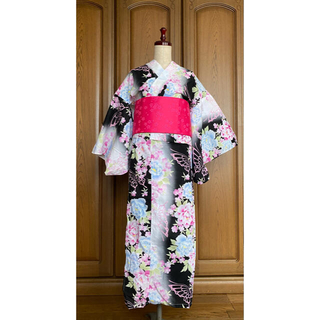 シマムラ(しまむら)の浴衣セット ピンク 黒 水色 花(浴衣)