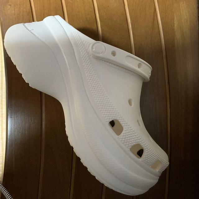 crocs(クロックス)のクロックス 厚底 24cm レディースの靴/シューズ(サンダル)の商品写真