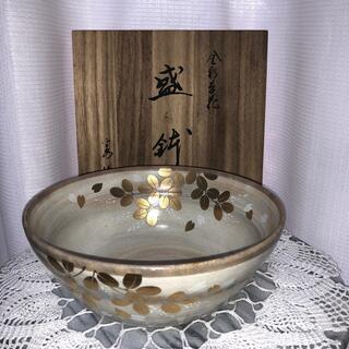 タチキチ(たち吉)の【新品・未使用】たち吉 金彩草花 盛鉢(桐箱入り)(食器)