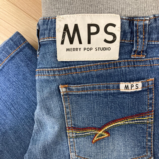 MPS(エムピーエス)のジーンズ 110サイズ キッズ/ベビー/マタニティのキッズ服男の子用(90cm~)(パンツ/スパッツ)の商品写真