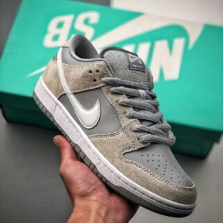 ナイキ(NIKE)のNike SB Dunk Low Summit White Wolf Grey (スニーカー)