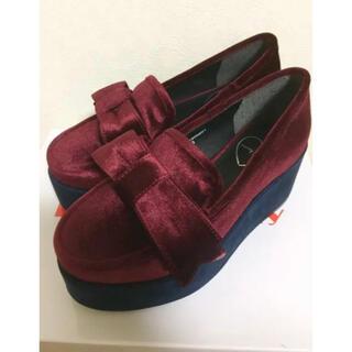 メリージェニー(merry jenny)のメリージェニー 厚底 ベロア リボン シューズ S ワインレッド(ローファー/革靴)