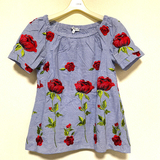 ナラカミーチェ(NARACAMICIE)の美品 NARACAMICIE 総刺繍 ブラウス(シャツ/ブラウス(半袖/袖なし))