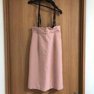 アラマンダ(allamanda)のアラマンダ サスペンダー付きボタンタイトスカート(ひざ丈スカート)