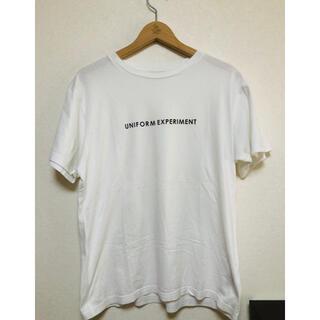 ユニフォームエクスペリメント(uniform experiment)のuniform experiment Tシャツ ホワイト 1 ロゴ プリント(Tシャツ/カットソー(半袖/袖なし))