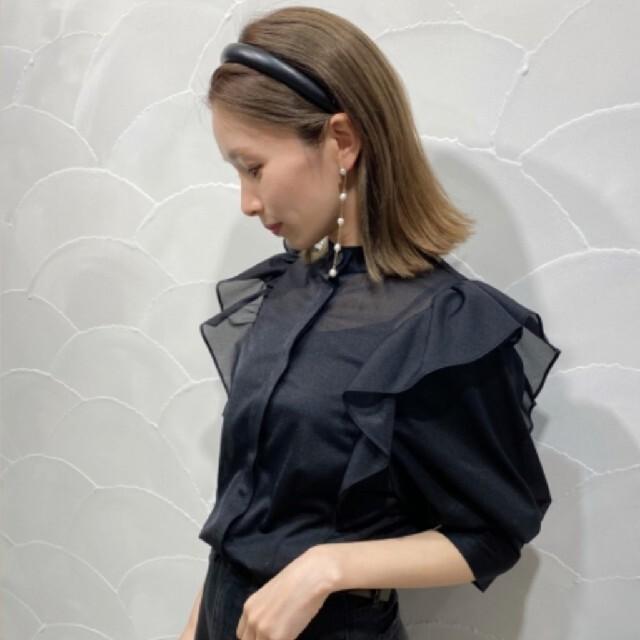 snidel(スナイデル)のスナイデル シアー フリル スタンドカラー ブラウス レディースのトップス(シャツ/ブラウス(半袖/袖なし))の商品写真