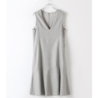 インゲボルグ(INGEBORG)の新品✨タグ付き♪定価44,000円 上品なスカート グレー サイズ4 大特価‼️(その他)