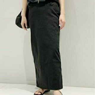 アパルトモンドゥーズィエムクラス(L'Appartement DEUXIEME CLASSE)の新品タグ付 AP STUDIO ウォッシュ タイトスカート ブラック38(ロングスカート)