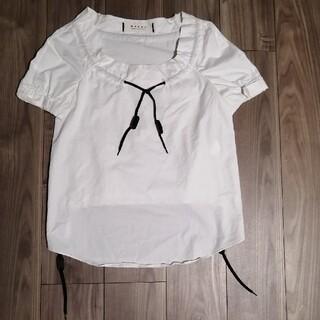 マルニ(Marni)の【レア物】MARNI マルニ 革紐オープンカラーホワイトシャツ(シャツ/ブラウス(半袖/袖なし))