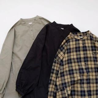 YAECA - 休日と詩 マリンバシャツ バンドカラーシャツ ブラウス