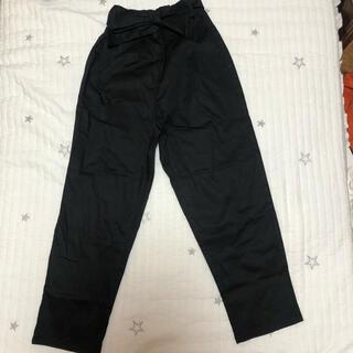 アズールバイマウジー(AZUL by moussy)のAZUL ズボン タグ付き リボン ブラック(デニム/ジーンズ)