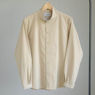 ヤエカ(YAECA)のYAECA スタンドカラーシャツ ベージュ M コンフォートシャツ ヤエカ(シャツ)