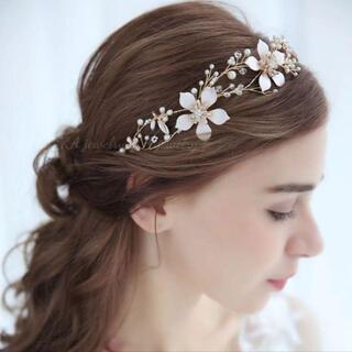 ☆新品ゴールドヘッドドレス ウェディングヘアアクセサリーブライダル髪飾り 結婚式
