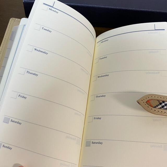 BURBERRY(バーバリー)のBBURBERRY 手帳 ベージュ インテリア/住まい/日用品の文房具(カレンダー/スケジュール)の商品写真