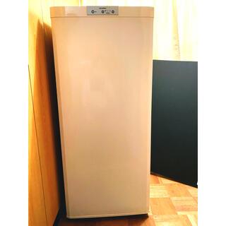 ミツビシデンキ(三菱電機)の三菱 121L 冷凍庫 ホワイト 美品 MF-U12N-W(冷蔵庫)