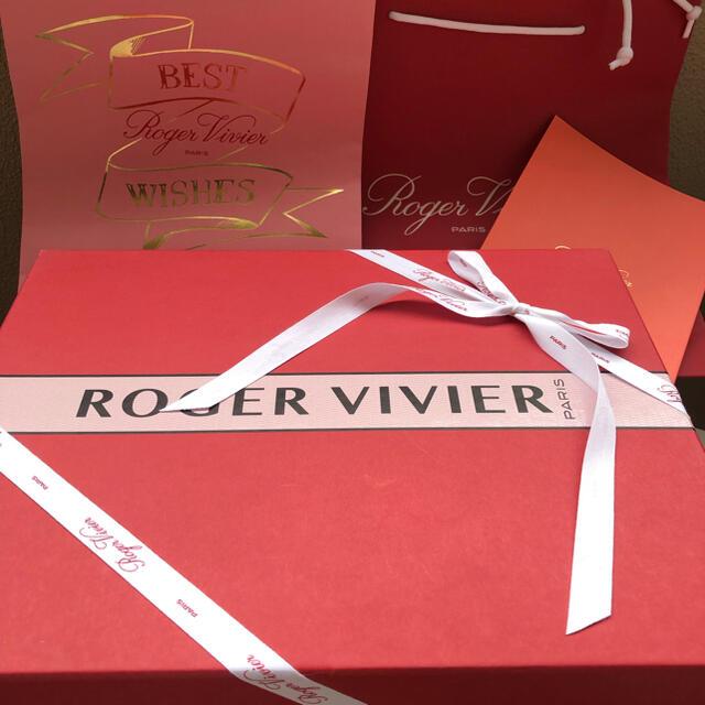 ROGER VIVIER(ロジェヴィヴィエ)のロジェヴィヴィエ スニーカー 新品 白 36 本物 レディースの靴/シューズ(スニーカー)の商品写真
