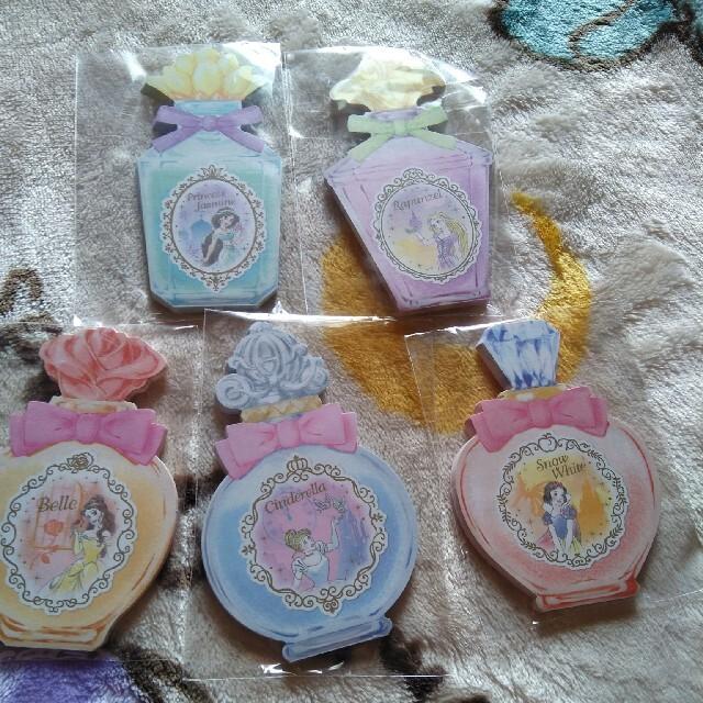 Disney(ディズニー)のディズニーリゾート プリンセス香水メモ インテリア/住まい/日用品の文房具(ノート/メモ帳/ふせん)の商品写真
