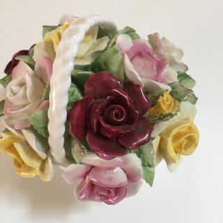 ロイヤルドルトン(Royal Doulton)の陶花 ロイヤルドルトン 薔薇 花籠(置物)