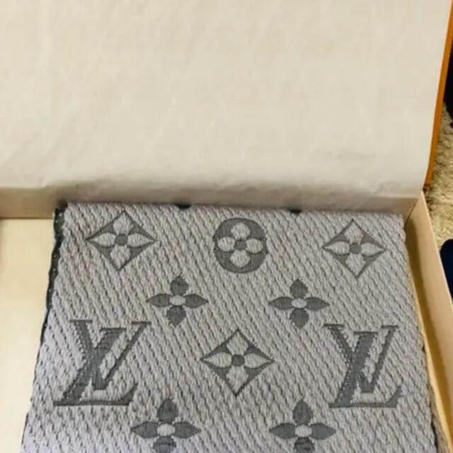 LOUIS VUITTON(ルイヴィトン)の最終冬物セール!!LOUIS VUITTON マフラー レディースのファッション小物(マフラー/ショール)の商品写真