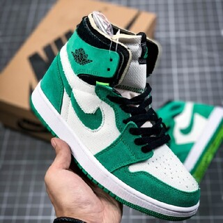 "ナイキ(NIKE)のair jordan 1 zoom cmft ""stadium green""(スニーカー)"
