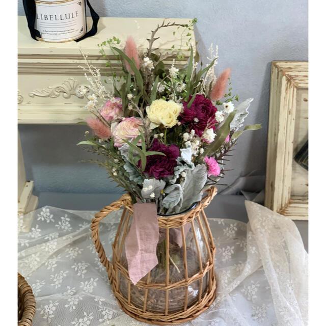 ラナンキュラスの華やかブーケスワッグ ピンク系. インテリア 贈り物 ハンドメイドのフラワー/ガーデン(ドライフラワー)の商品写真