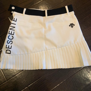 DESCENTE - デサント プリーツスカート ホワイトL