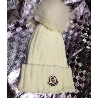モンクレール(MONCLER)のニット 帽子 キャップ 編み ホワイト(キャップ)