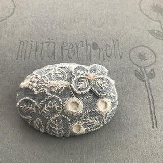 mina perhonen - ミナペルホネン sometimes lucky 水色 ブローチ ハンドメイド