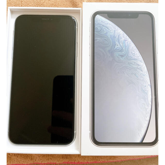 iPhone(アイフォーン)の(値下げ)iPhone XR 64GB White SiMフリー(付属品あり) スマホ/家電/カメラのスマートフォン/携帯電話(スマートフォン本体)の商品写真